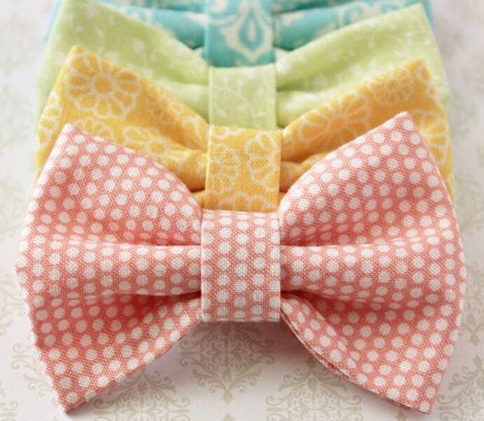 Alligator clips and unused fabric are all that is required to make these colorful bows.