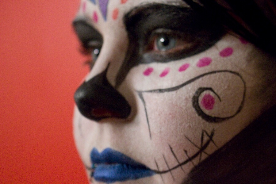 Sugar Skull Makeup: An Easy Halloween Tutorial